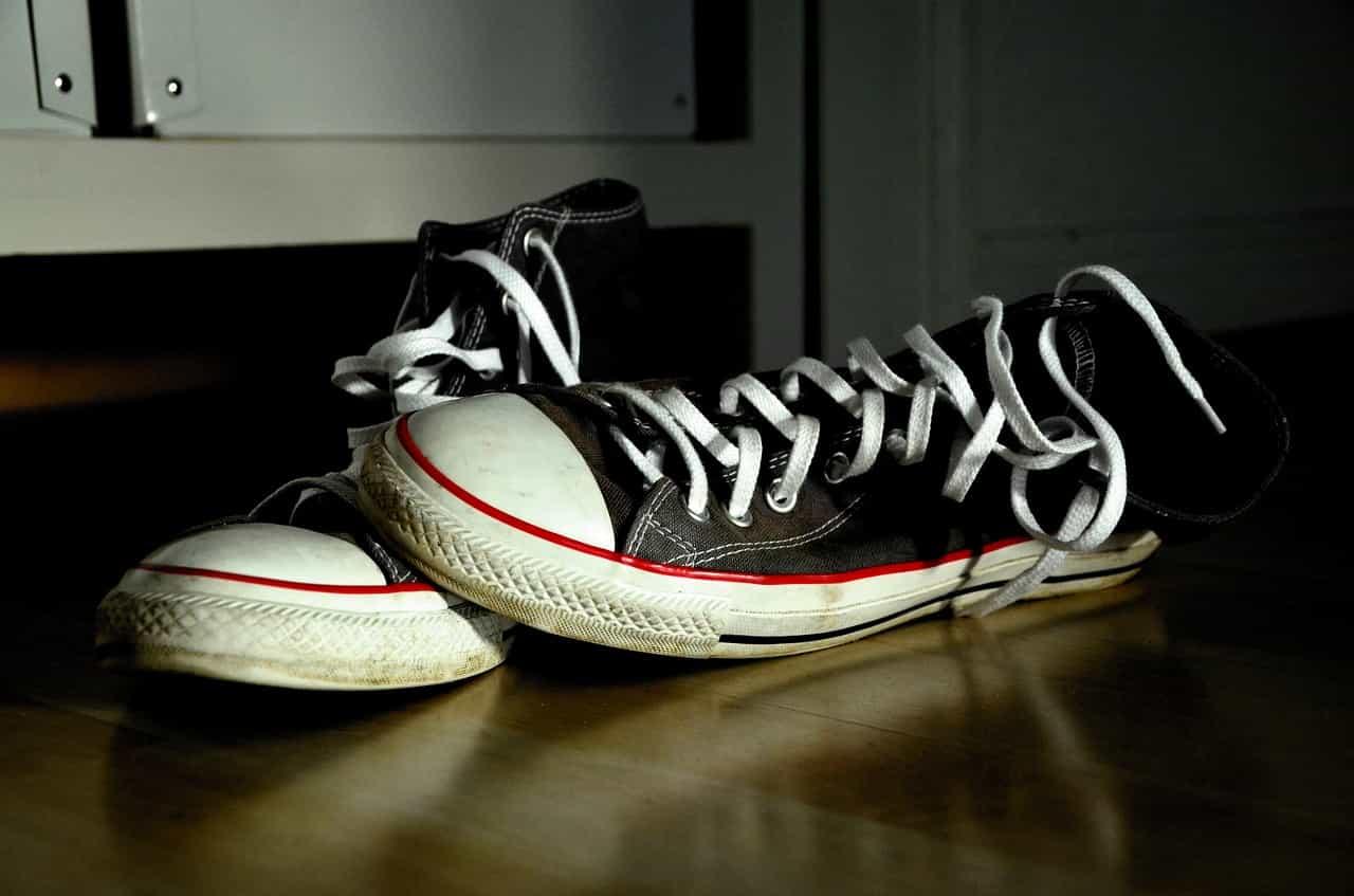スニーカーの靴紐